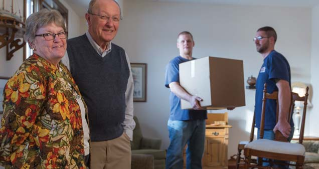 The Scheerer McCulloch Senior Relocation team moves Dick and Linda Morris into their retirement home.