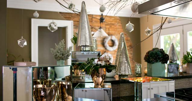 Feature-HolidayDecor-web3